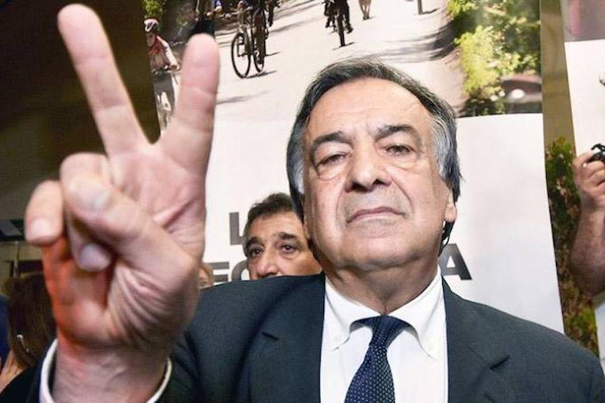 Leoluca Orlando obbedisce alla Costituzione e dice che a Palermo non applicherà le norme del decreto sicurezza