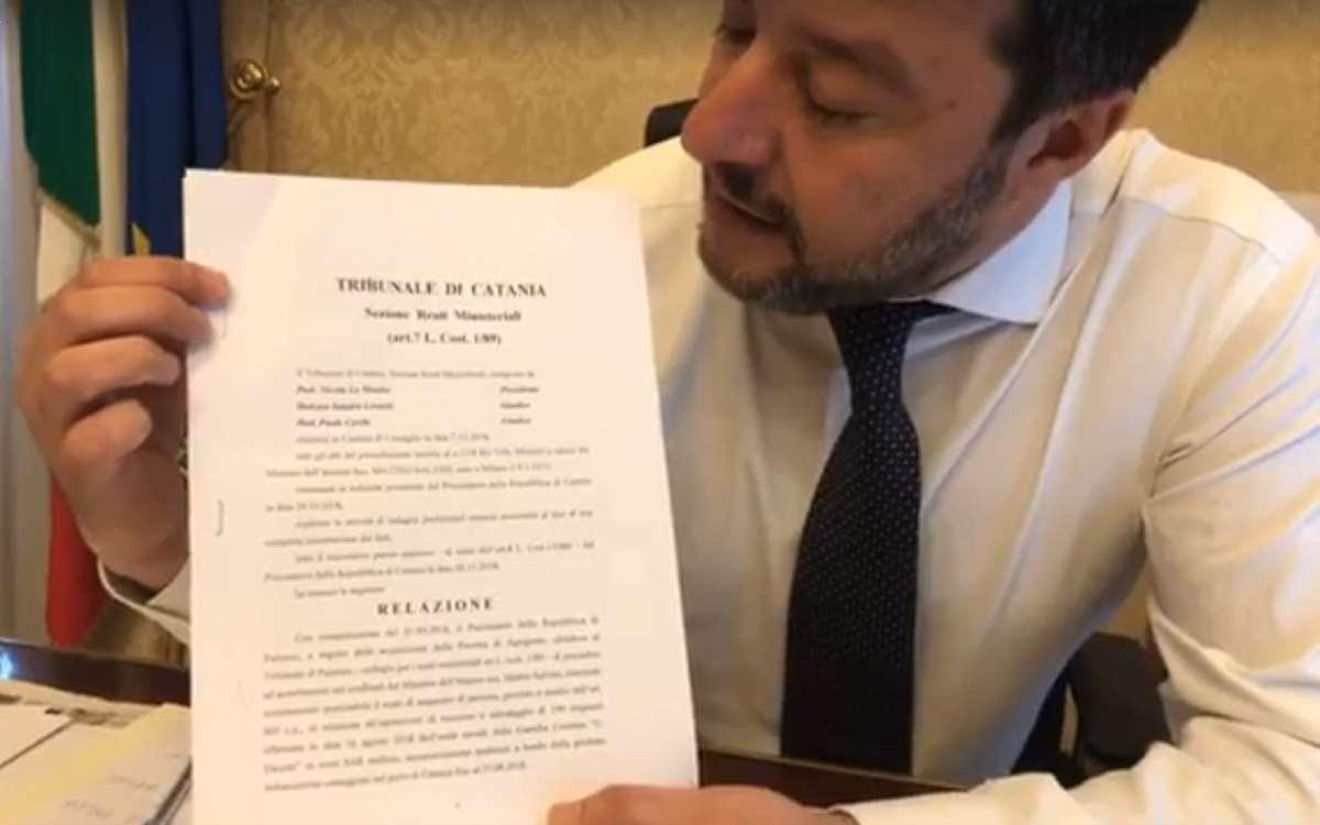 Salvini va processato per aver impedito lo sbarco dei migranti a bordo della Diciotti