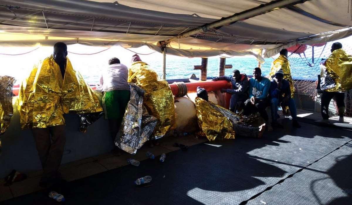 La Cei dà la sua disponibilità ad accogliere i minori a bordo della Sea-Watch