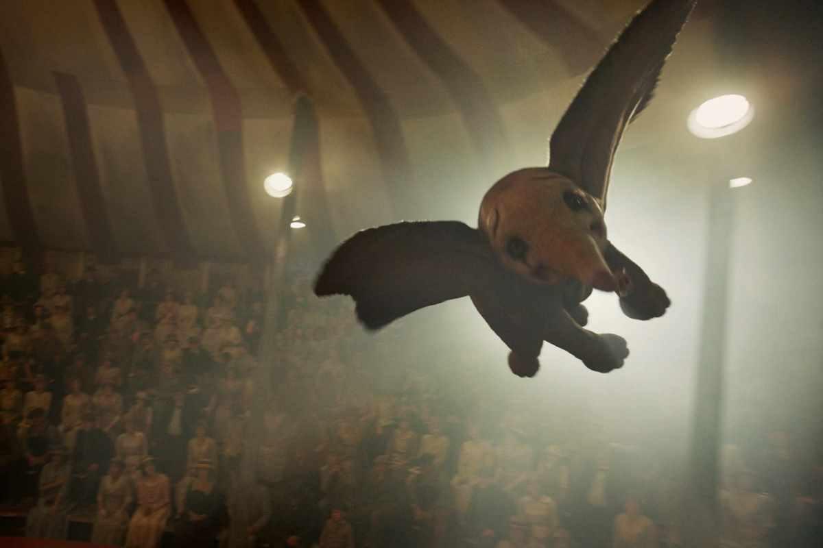 Buona accoglienza, ma non eccezionale, per il Dumbo di Tim Burton