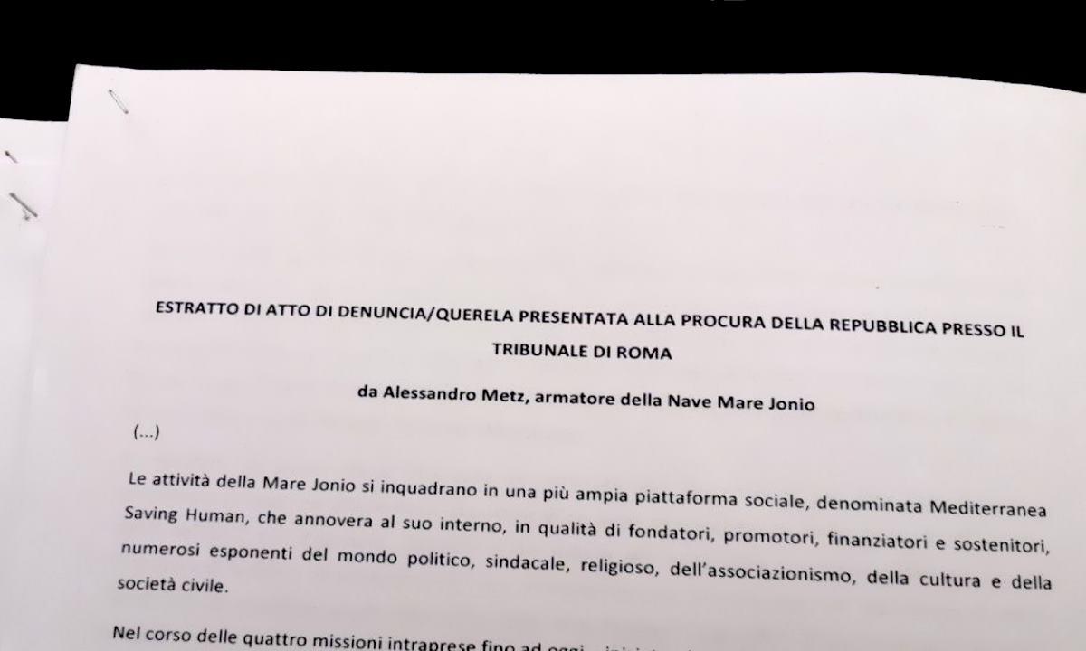 La Mare Ionio salpa da Marsala e riprende ad operare in zona Sar, mentre la Ong Mediterranea denuncia Salvini