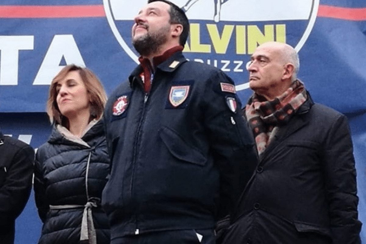 Dopo il razzismo, Matteo Salvini vuole sdoganare il fascismo e pubblica un libro con CasaPound