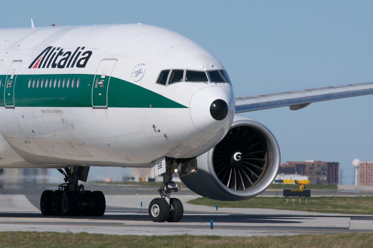 Alitalia: prorogata al 15 giugno la scadenza per la composizione della nuova società