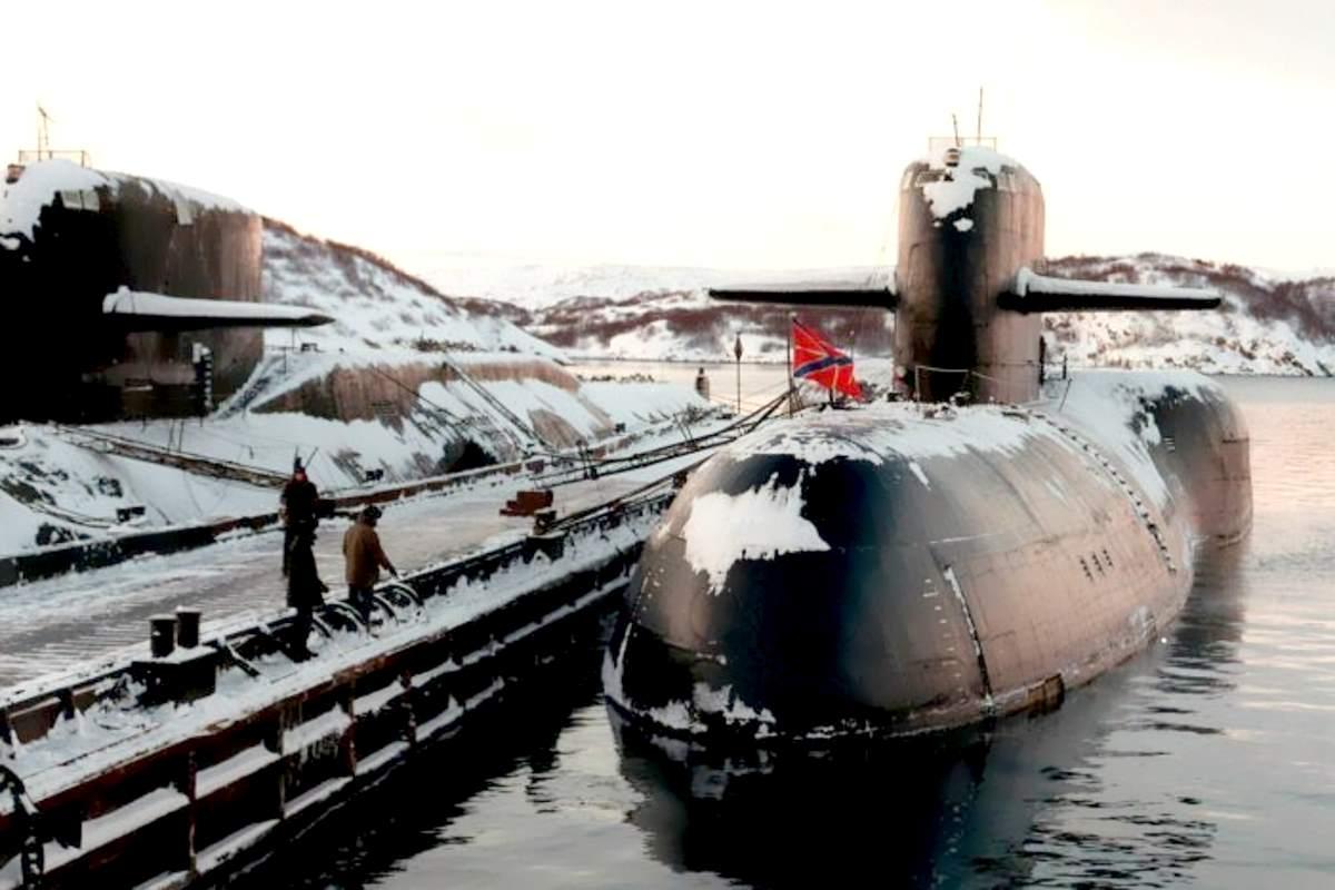 Un incendio su un sottomarino russo causa 14 vittime tra i membri dell'equipaggio