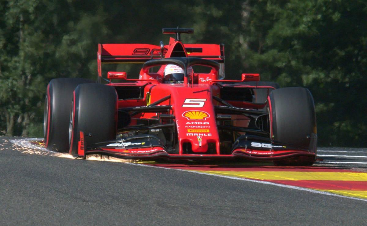 Show Ferrari alle libere del GP del Belgio sul circuito di Spa