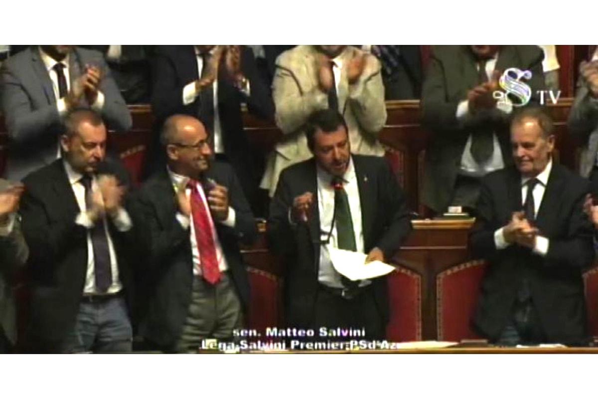 Salvini al Senato: andiamo al voto... ma prima non sarebbe meglio tagliare i parlamentari?
