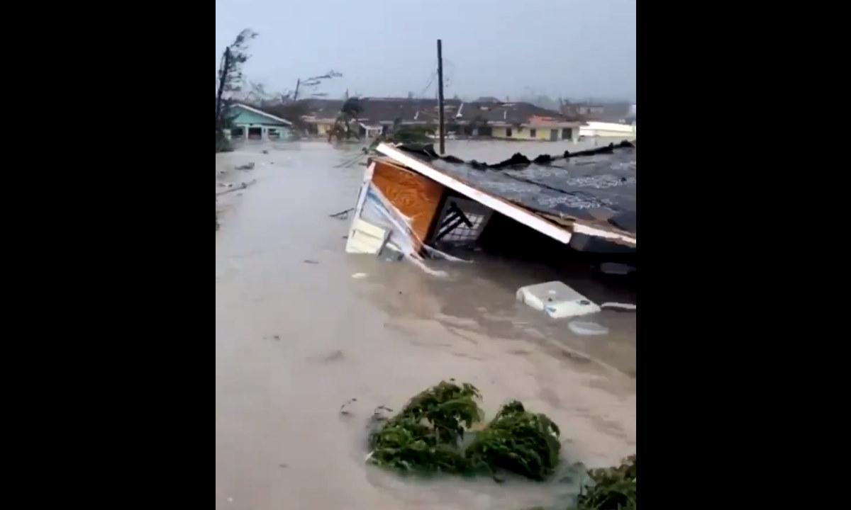 L'uragano Dorian abbatte la sua furia sulle Bahamas, lunedì arriverà sulla Florida