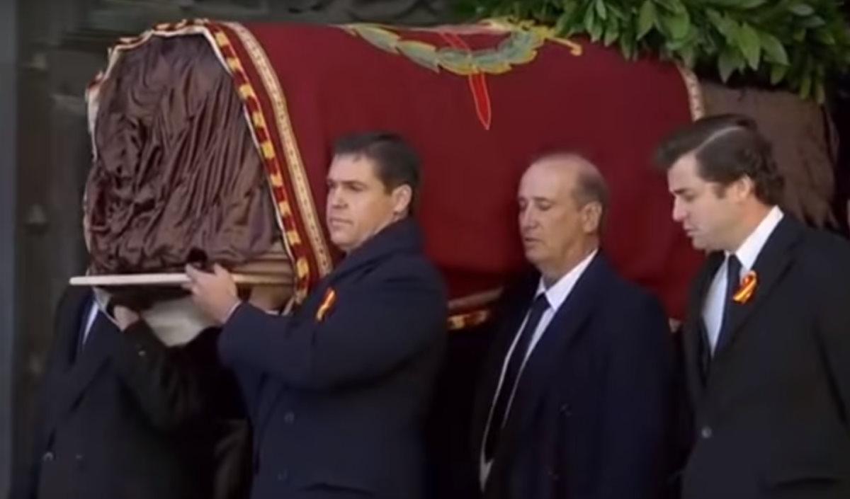 I resti di Franco sono stati spostati dalla Valle de los Caídos