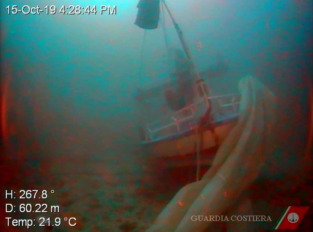 Recuperati i corpi di una parte dei dispersi nel naufragio del 7 ottobre a Lampedusa