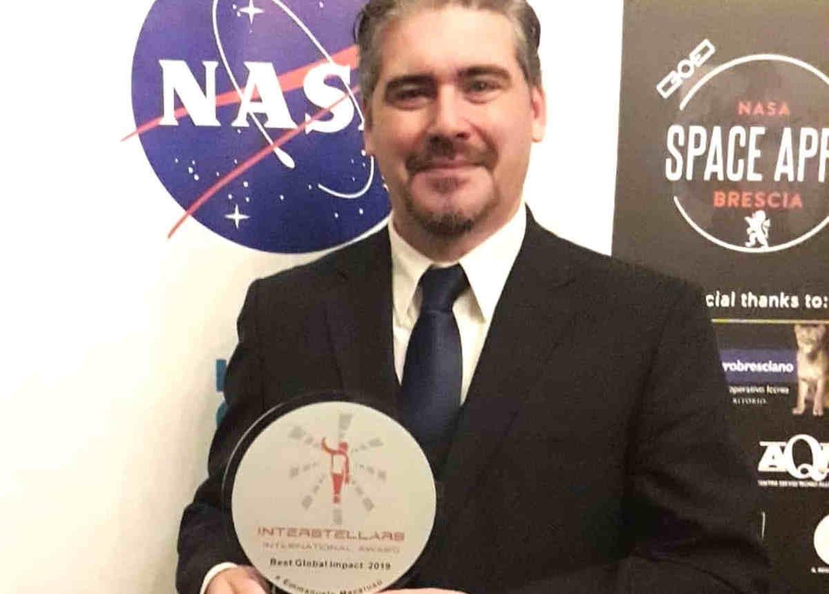 """Il Prof. Emmanuele Macaluso ritira il premio scientifico internazionale """"INTERSTELLARS International Award"""""""