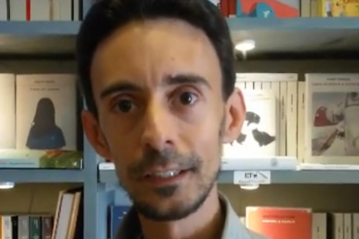 Lo scrittore versiliese Ugo Cirilli presenta il suo romanzo. Una video intervista per Toscana Today