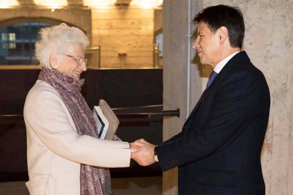 Liliana Segre accompagna Giuseppe Conte nella visita al Memoriale della Shoah di Milano
