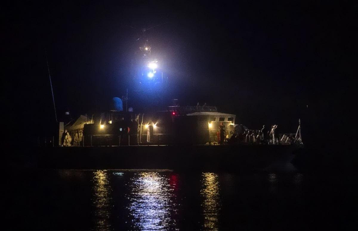 20 i dispersi nel naufragio di sabato di fronte a Lampedusa, 7 finora i cadaveri recuperati