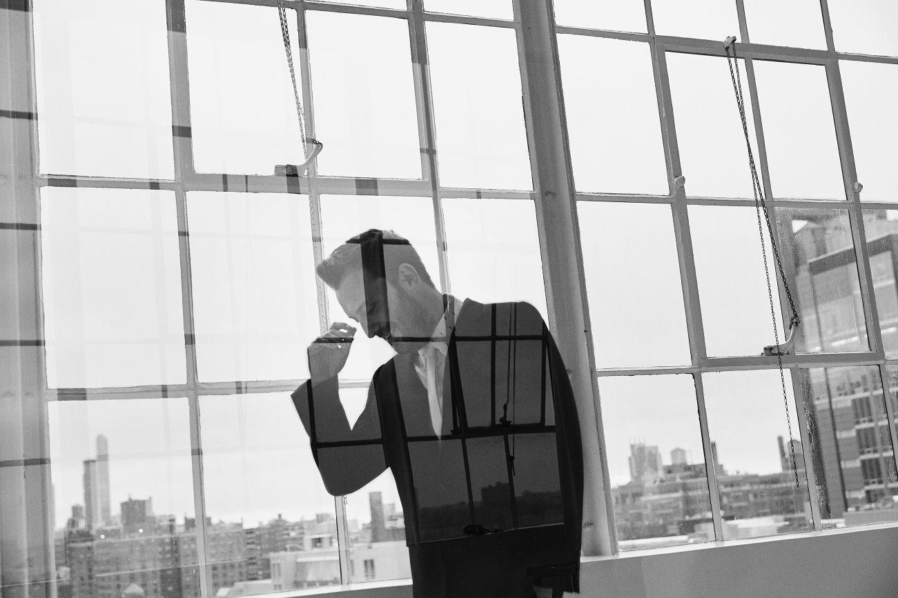 Cesare Cremonini si piazza al primo posto nelle vendite della sua prima grande raccolta ventennale