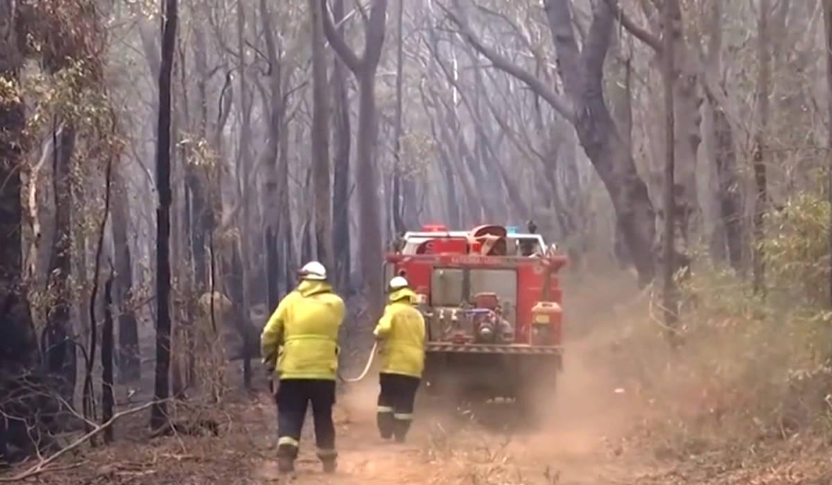 Australia, aumentano le temperature riprendono gli incendi