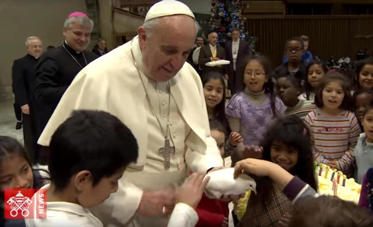 Abusi sessuali: Papa Francesco abolisce il segreto pontificio