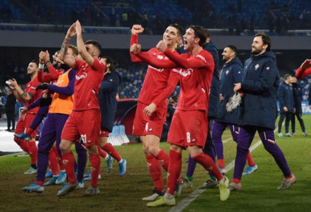 La Fiorentina espugna il San Paolo con un convincente 2-0