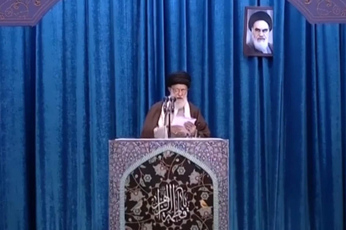 L'Ayatollah Khamenei difende la Guardia Rivoluzionaria definendola una organizzazione umanitaria