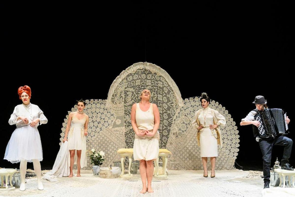 In scena a Roma LE ALLEGRE COMARI DI WINDSOR di William Shakespeare