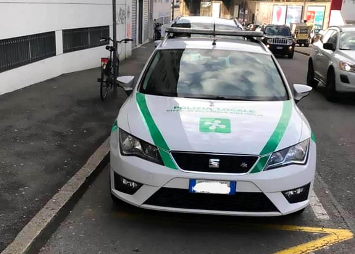 Nel bresciano si suicida un vigile urbano pochi giorni fa al centro di una polemica social per un parcheggio sbagliato