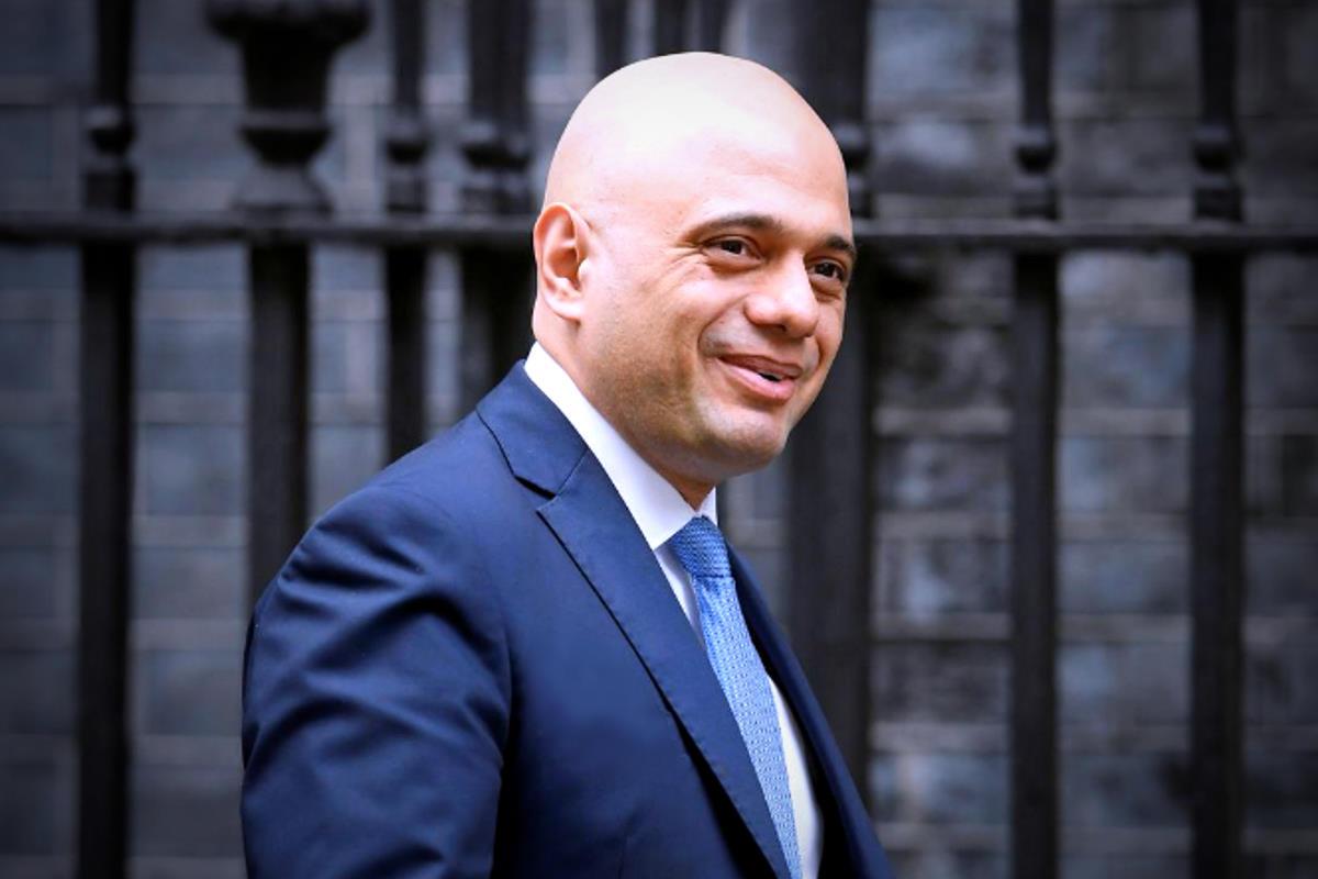 Sajid Javid rassegna le dimissioni da cancelliere dello Scacchiere del governo Johnson