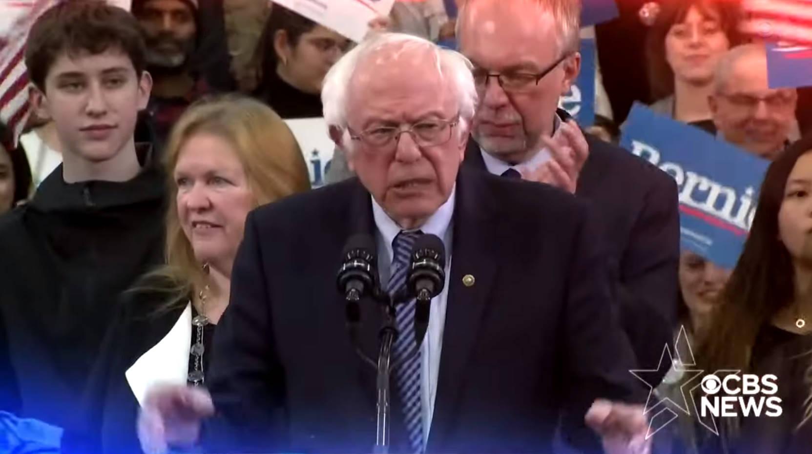 A Charleston, Sanders convince anche nell'ultimo dibattito prima delle prossime primarie in Carolina del Sud e in quelle del Super martedì