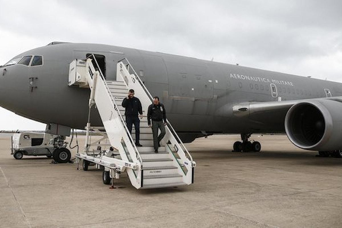 Roma: decollato il volo dell'Aeronautica Militare che riporterà a casa gli italiani bloccati a Whuan