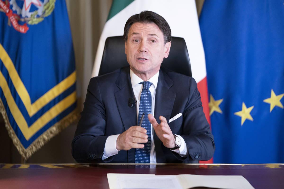 Nuove misure del Governo: chiudono anche gli esercizi commerciali