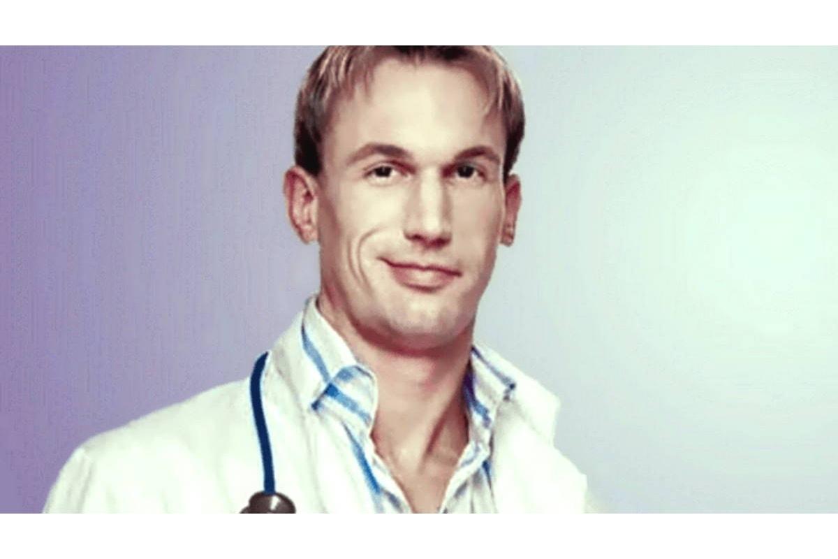 Per un medico inglese noi italiani amiamo la quarantena perché ci piace fare la siesta