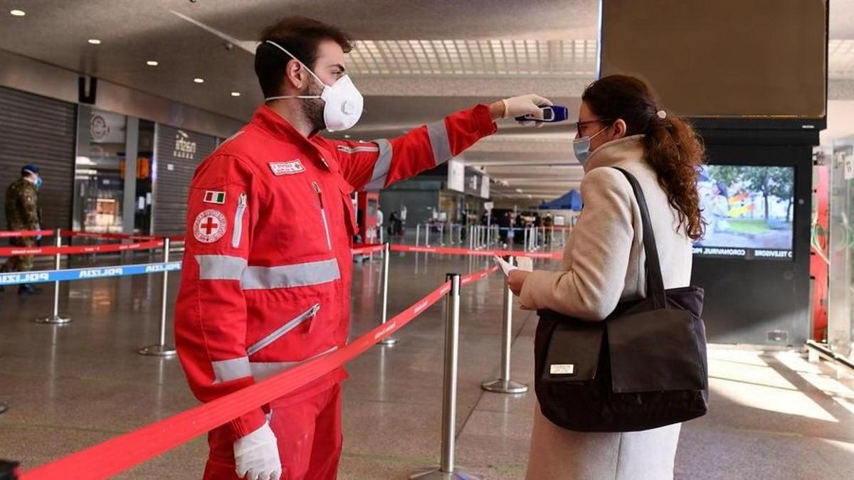 Coronavirus, al 25 aprile cala ancora la pressione sugli ospedali mentre i nuovi casi sono 2.357