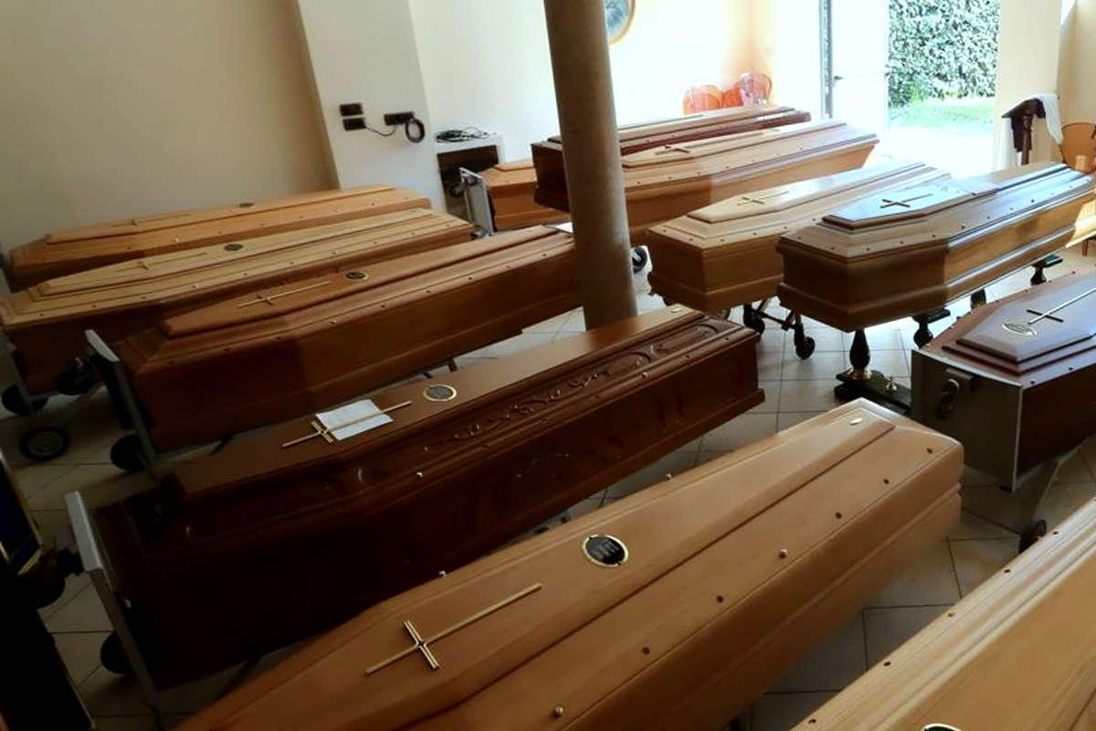 I numeri agghiaccianti della strage nelle Rsa della Lombardia che Fontana e Gallera volevano nascondere