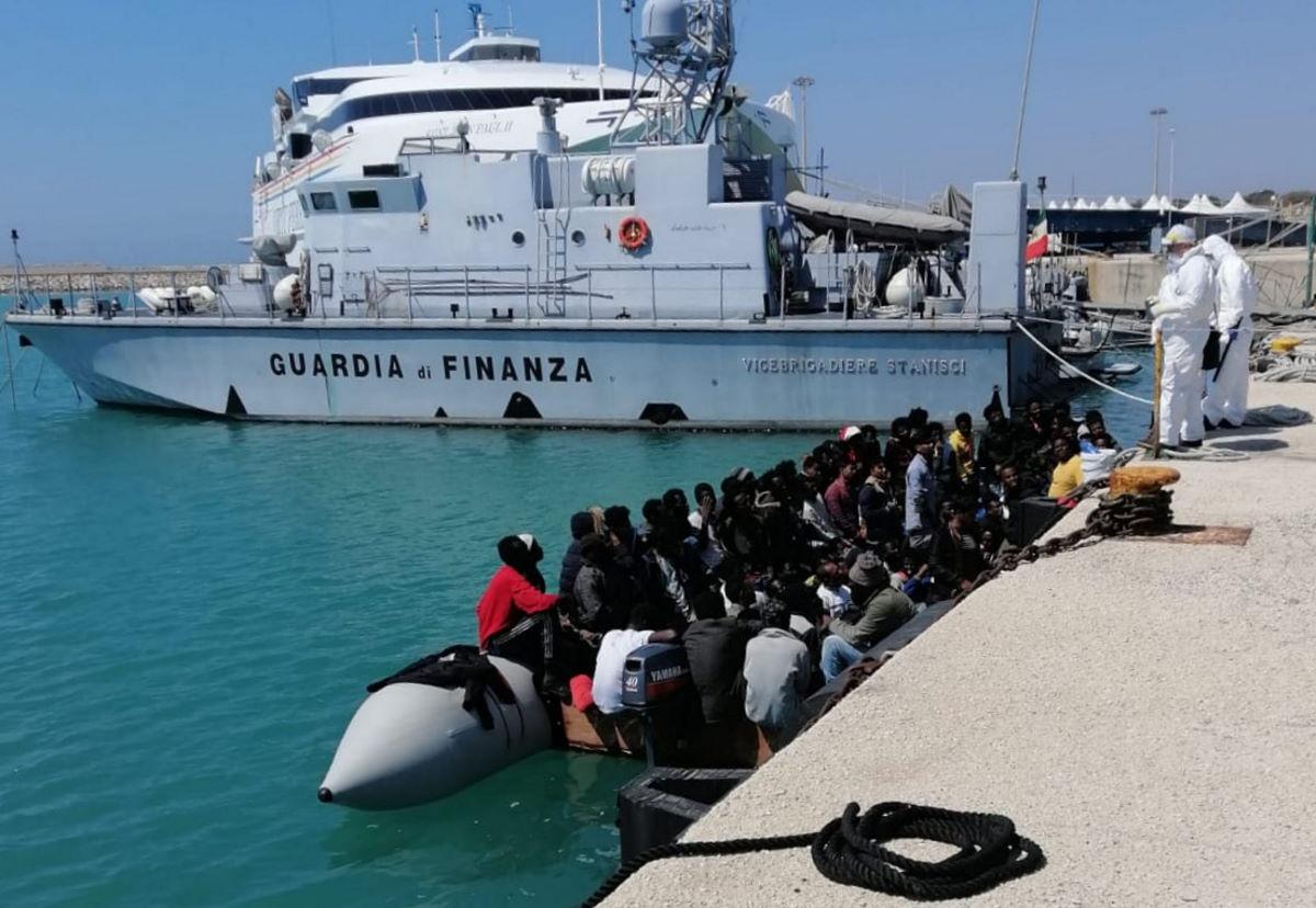 Pasqua 2020: nessuna pietà per i migranti che annegano nel Mediterraneo