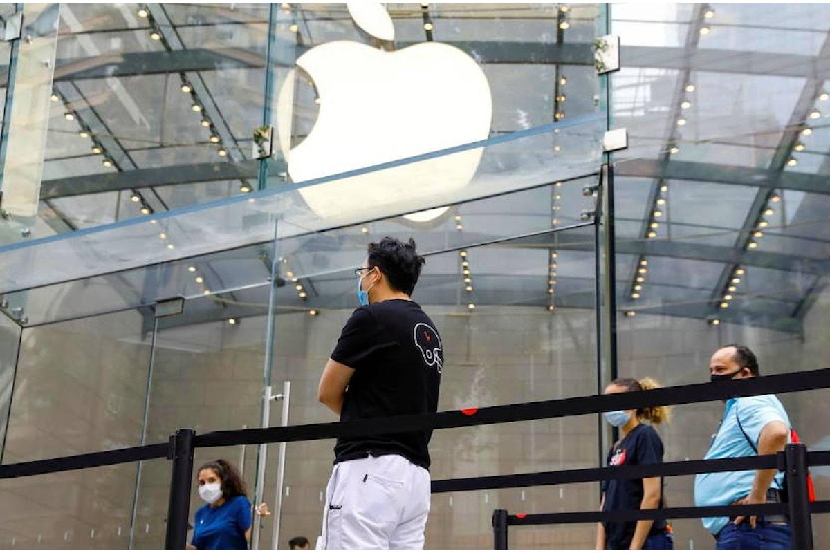 Apple chiude undici punti vendita a causa di nuovi contagi Covid-19