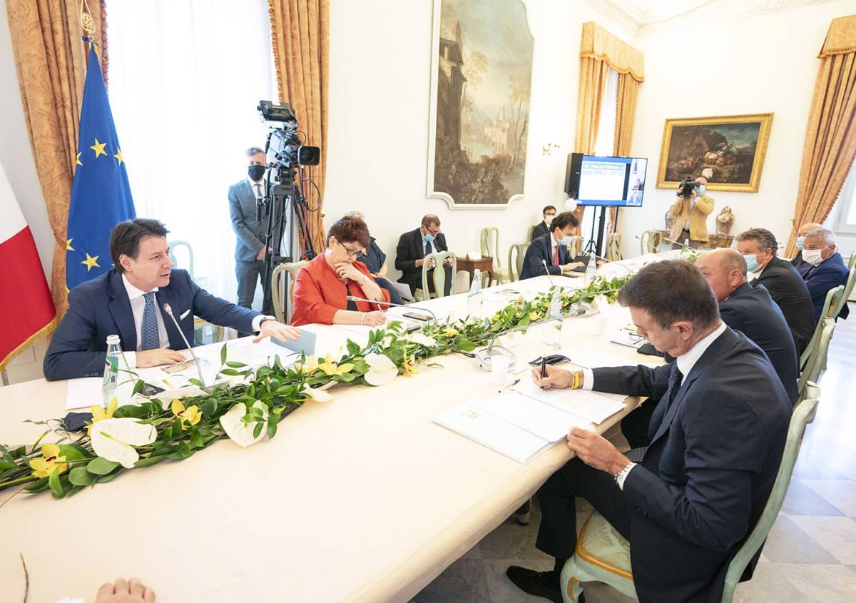 Stati generali, il Governo incontra il settore produttivo ma Conte pensa al Consiglio europeo di venerdì