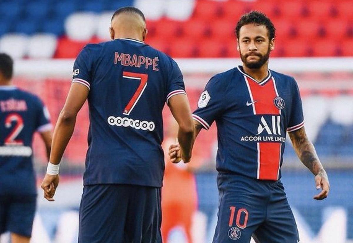 PSG, distorsione alla caviglia per Mbappé. Salterà la partita con l'Atalanta?
