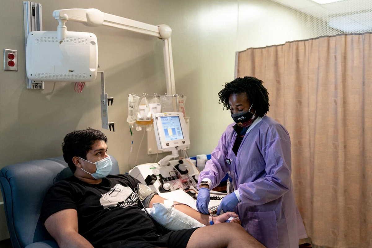 USA: la Food and drug administration autorizza l'uso in emergenza del plasma dei convalescenti per curare la Covid