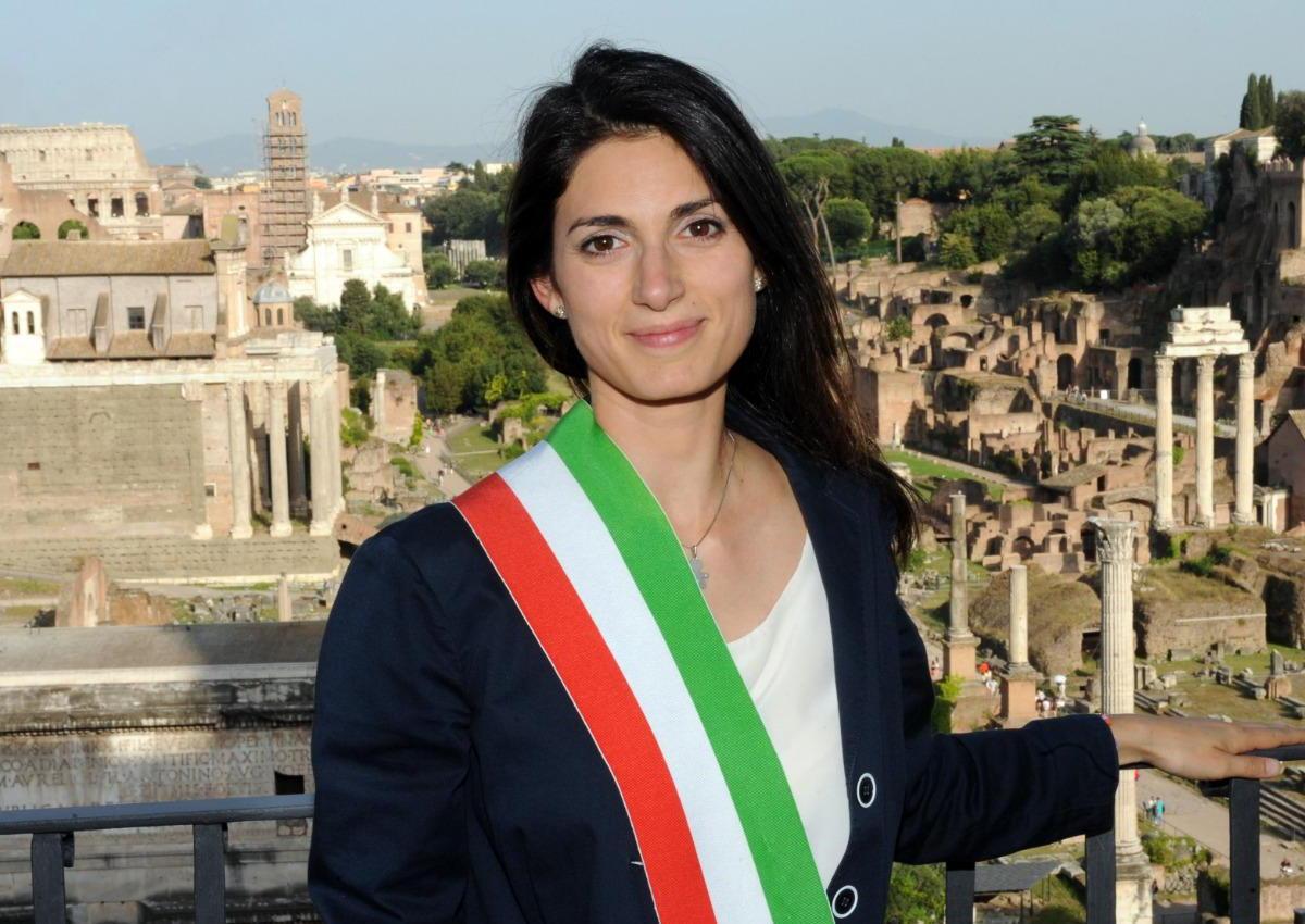L'erede Casaleggio ha deciso: Virginia Raggi si può ricandidare a sindaca di Roma