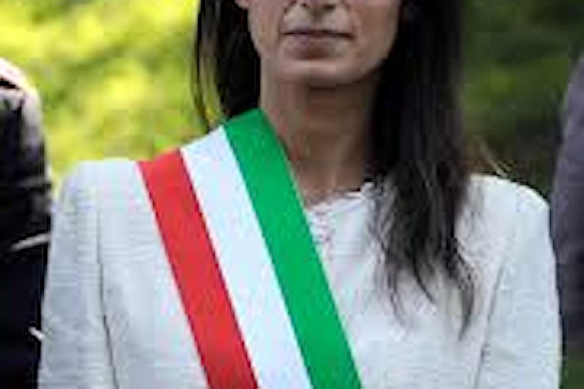 Virginia Raggi vuole ricandidarsi a Roma: il Movimento Cinque Stelle sembra davvero derogare su tutto