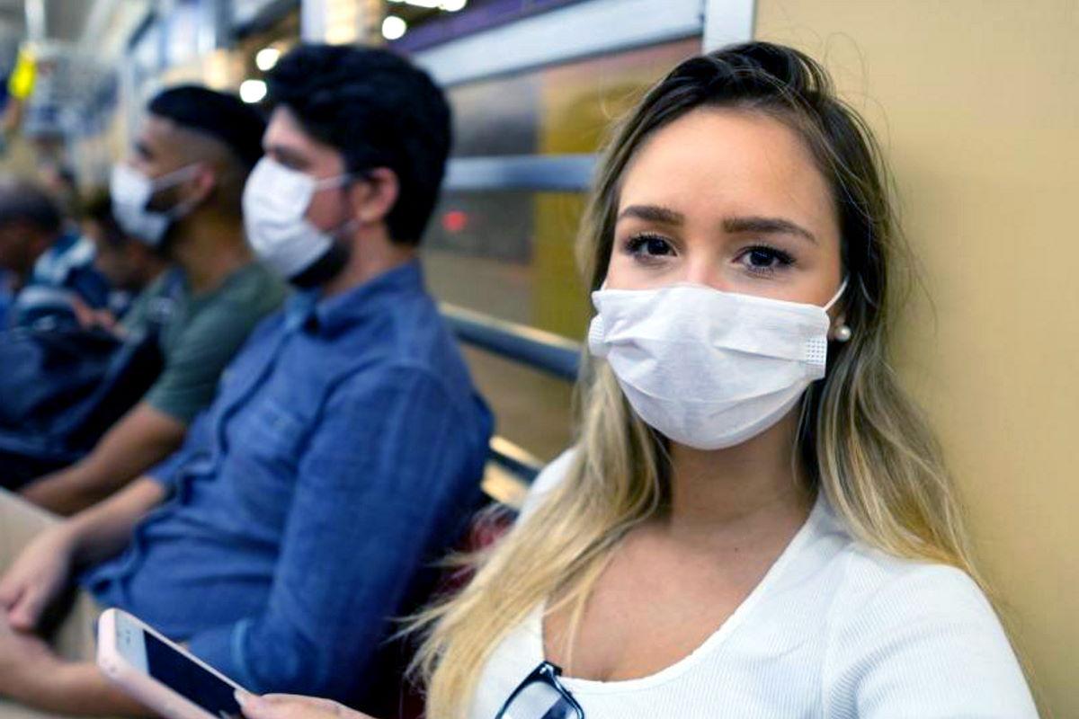 Nuovo dpcm anti contagio: fuori casa sarà obbligatorio avere una mascherina a disposizione. Il commento di Conte