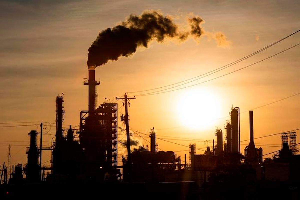 Il petrolio crolla a New York a 37,34 dollari, oltre 2 dollari in meno rispetto a ieri