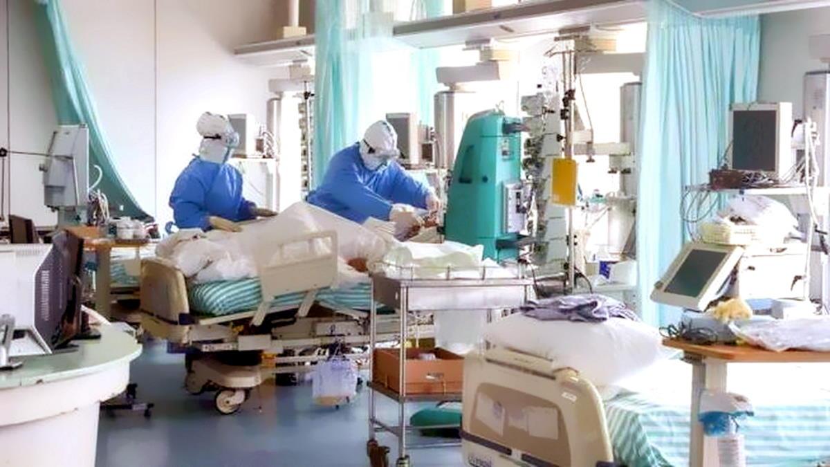 Covid al 25 ottobre: i tamponi diminuiscono ma salgono i nuovi casi, 21.273 nelle ultime 24 ore, anche nelle terapie intensive