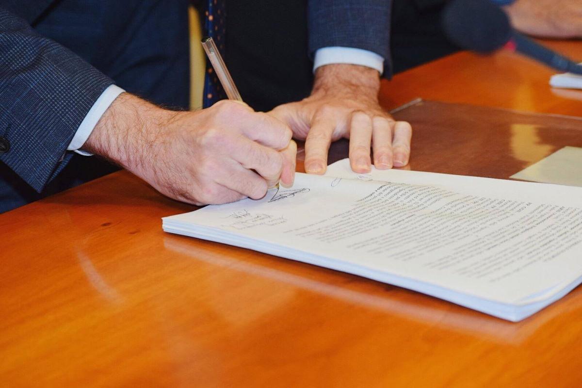 Speranza rinnova le misure anti Covid per Calabria, Lombardia, Piemonte, Puglia, Sicilia e Valle d'Aosta