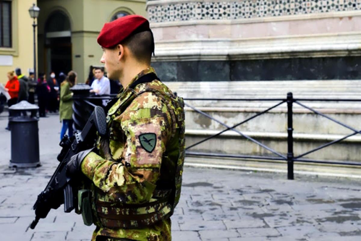 Grosseto: i paracadutisti del 183° Reggimento Nembo al comando dell'Operazione Strade Sicure in Toscana