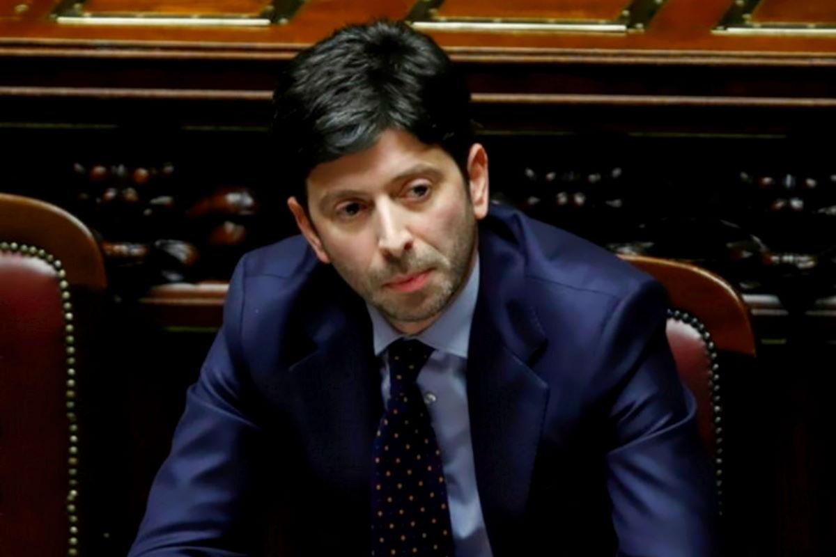 Le nuove ordinanze di Speranza: Campania e Toscana diventano arancioni