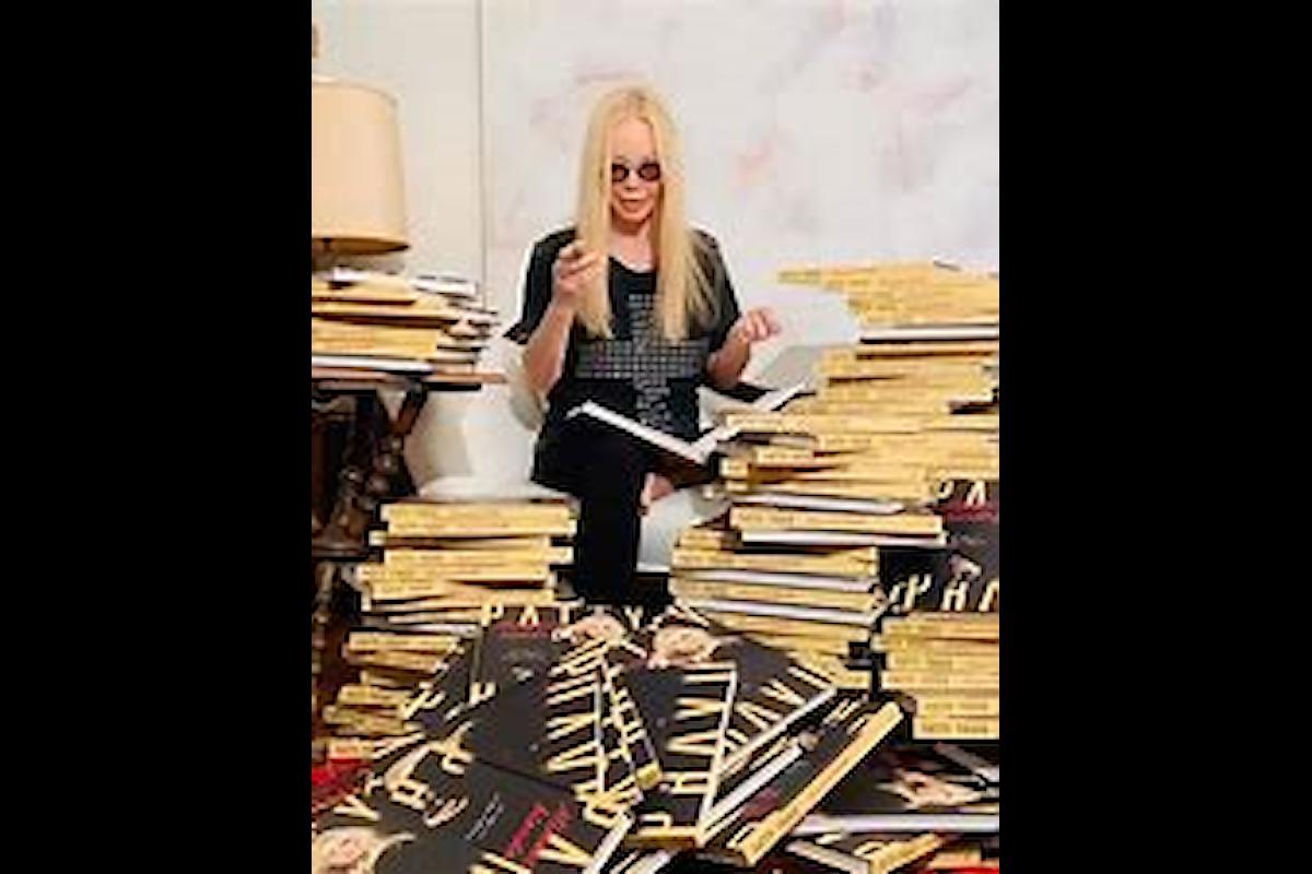 Minaccia Bionda, libro con immagini che raccontano la divina Patty Pravo