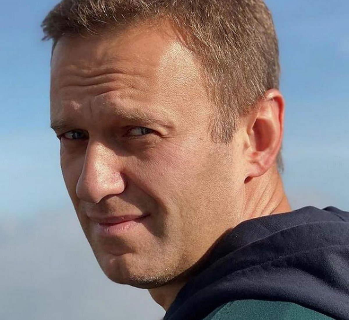 Navalny chiede di essere visitato da un medico: in sciopero della fame