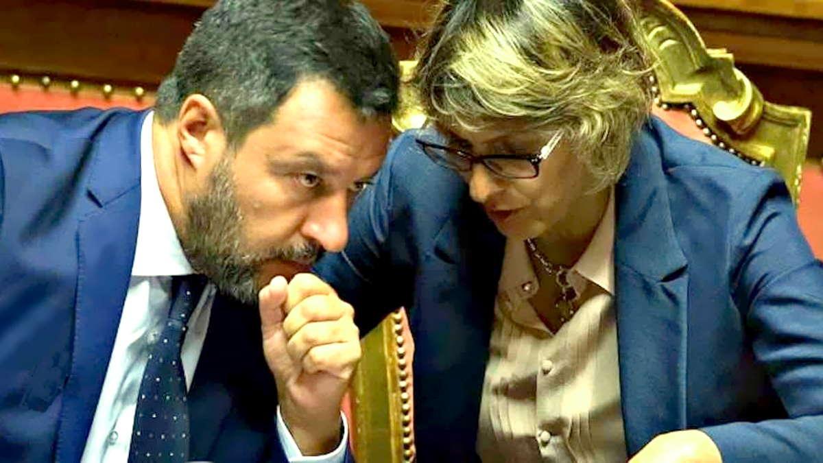 Salvini e Bongiorno contro la 5 Stelle Macina, rea di aver posto una domanda... logica!