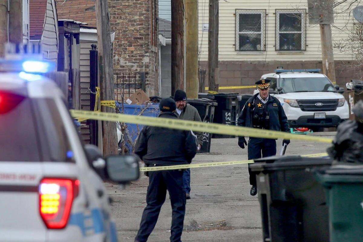 Shock a Chicago, dove la polizia ha ucciso un ragazzino ispanico di 13 anni, Adam Toledo