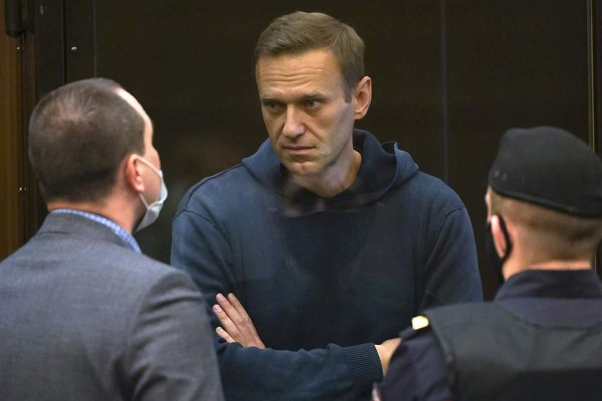 Alimentazione forzata per Navalny se non interromperà lo sciopero della fame iniziato ad aprile
