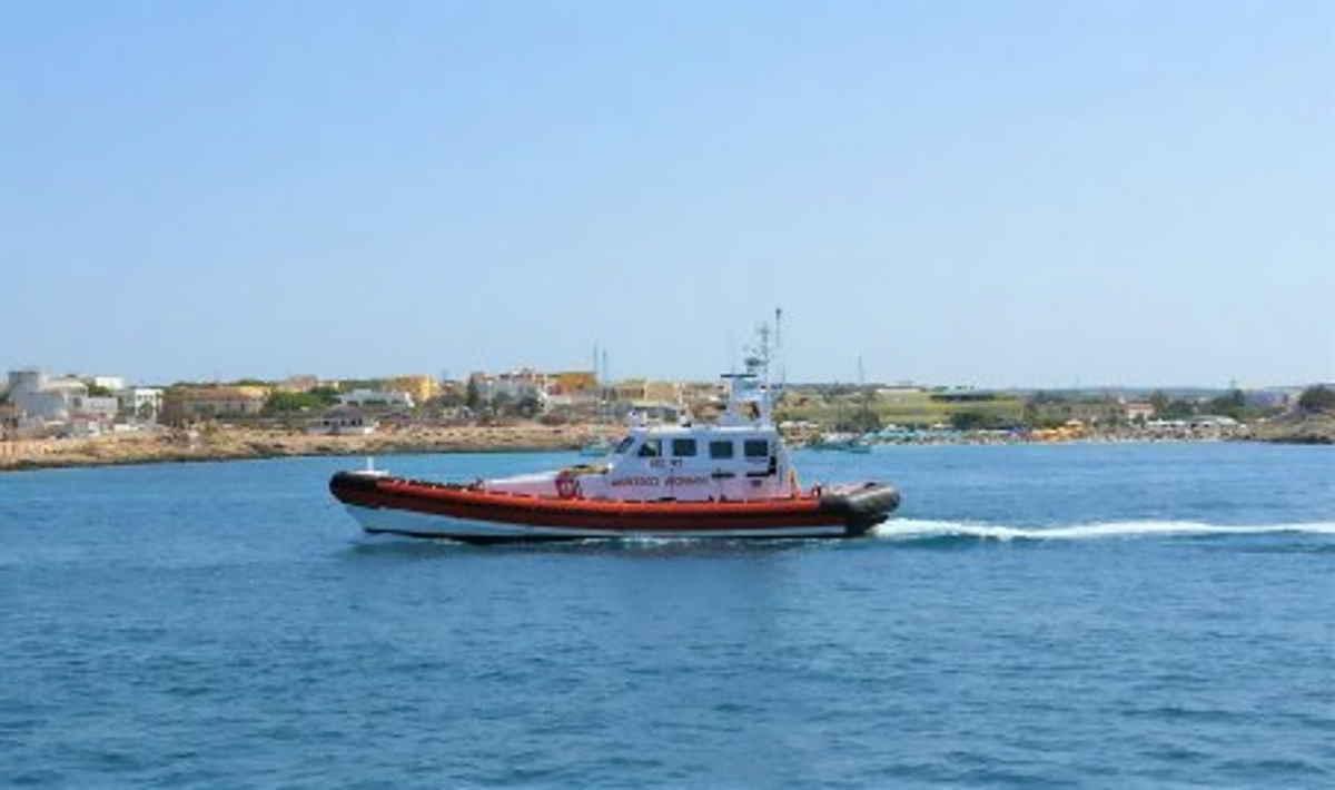 Almeno 40 i migranti annegati venerdì in un naufragio al largo della Tunisia